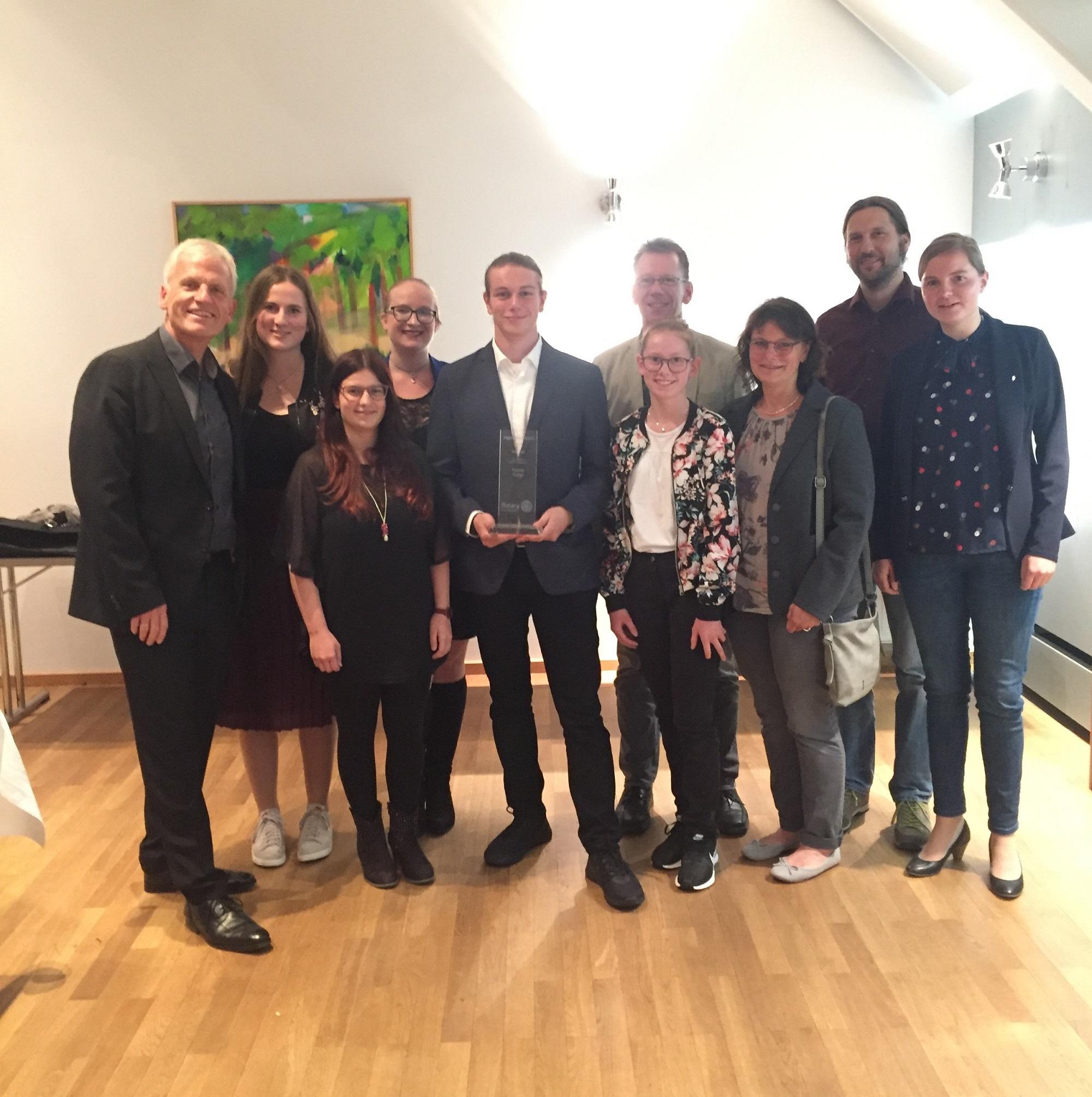 Jugendsozialpreis des Rotary Club Traunstein für Yannick Surkau